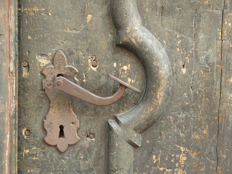 Old-doors-DORARTIS