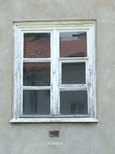 Old-window-in-Wrocław-DORARTIS