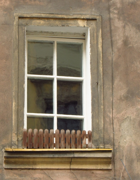 Old-window-in-Wroclaw-DORARTIS